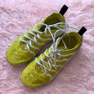 Yellow Vapormax Plus